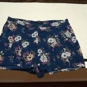 Torrid size 2 floral shorts